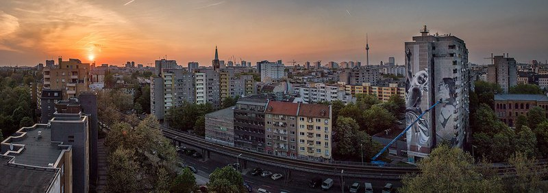 ONE WALL by Francisco Bosoletti & Young Jarus / Berlin, Germany