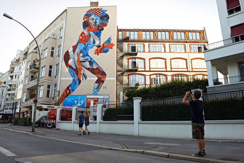 ONE WALL by Tristan Eaton / Berlin, Germany